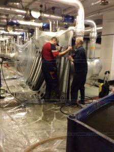 Специалисты АСГАРД-Сервис занимаются очисткой теплообменника