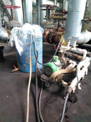 Работа с химическими реагентами для очистки теплообменного оборудования